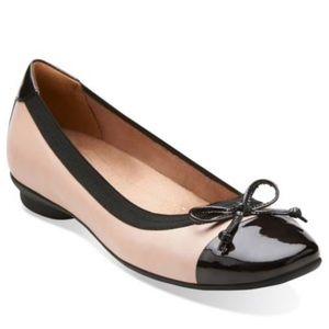 Clarks Candra Glow Cap Toe Bow Leather Flats